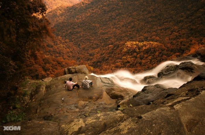 Buổi chiều bên thác Đỗ Quyên